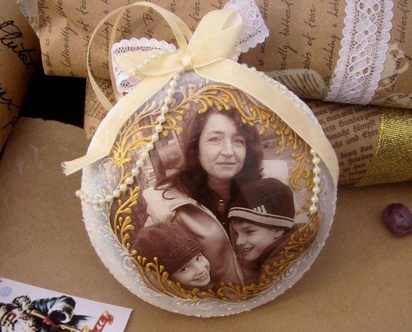 Медальон с фото на елку
