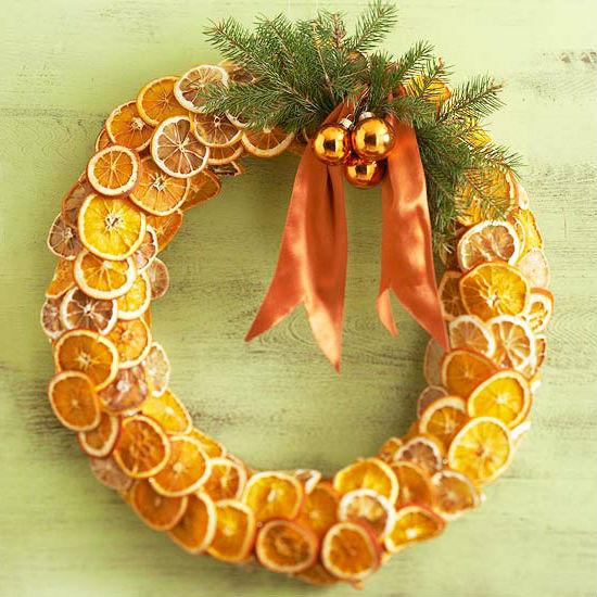 венок из сушеных апельсиновых долек