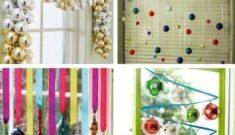новогоднее украшение на окно из елочных шаров